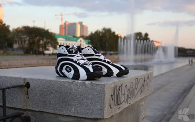Day & Night: Reebok Shaqnosis