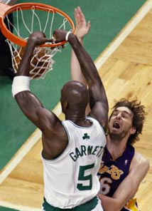kevin garnett dunk over Gasol
